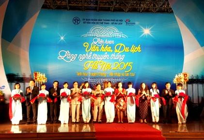 Khai mạc Liên hoan văn hóa, du lịch làng nghề truyền thống Hà Nội năm 2015