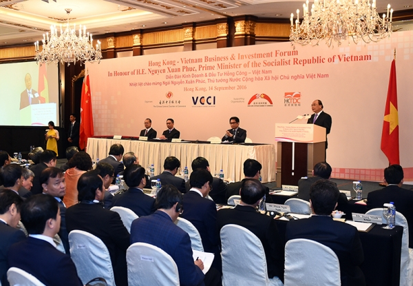 VN, Hong Kong sign multibillion dollar deals