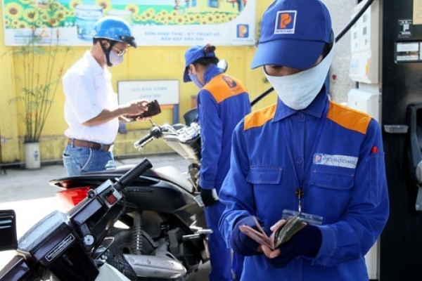Green fuel fails to ignite interest at Vietnamese gas pumps