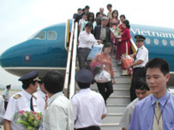 Vietnam Airlines says to maintain fares at Tet